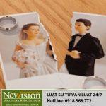 Có phải trả nợ do vợ vay khi ly hôn không ?