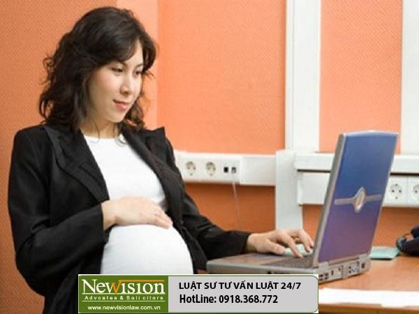 Phụ nữ mang thai được hưởng những chế độ gì khi đi làm