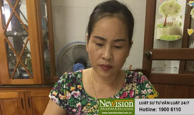 Bà Lan bức xúc trước vi phạm của cơ quan CSĐT Công an TP Uông Bí - Nguồn Báo Pháp Luật Việt Nam